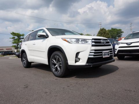 New Toyota Highlander LE PLUS V6 SUV