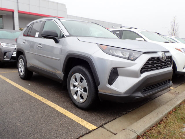 New 2019 Toyota Rav4 Le Awd Le 4dr Suv In Schaumburg 190912