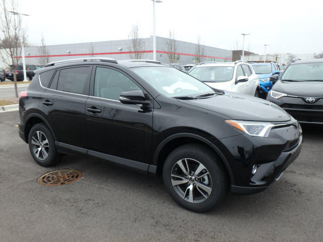 new 2017 toyota rav4 xle 5dr awd suv awd xle 4dr suv in schaumburg 170435 schaumburg toyota. Black Bedroom Furniture Sets. Home Design Ideas