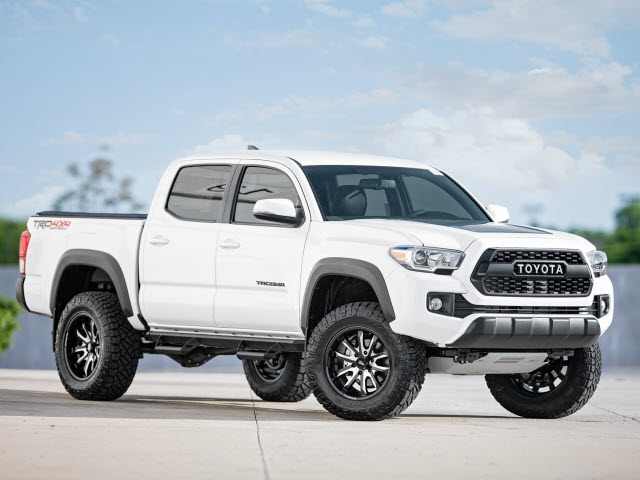 new 2017 toyota tacoma trd off road 4x4 trd off road 4dr double cab 5 0 ft sb 6a in schaumburg. Black Bedroom Furniture Sets. Home Design Ideas