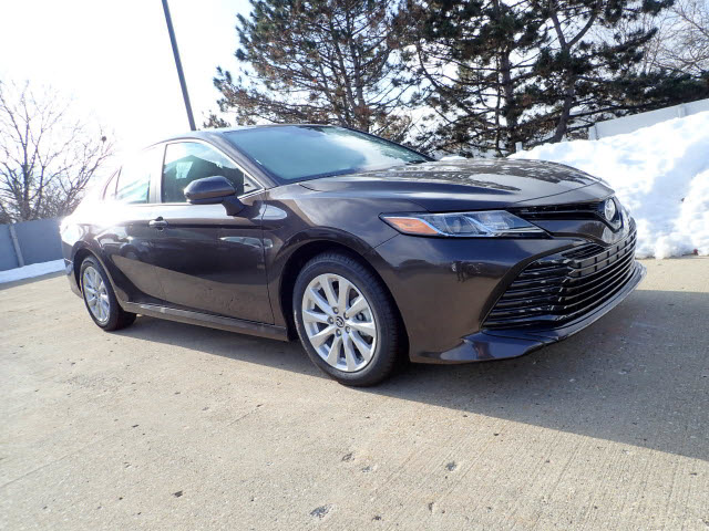 New 2019 Toyota Camry Le Le 4dr Sedan In Schaumburg 190610