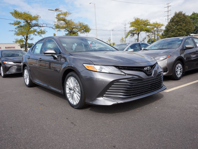 new 2018 toyota camry xle v6 xse v6 4dr sedan in. Black Bedroom Furniture Sets. Home Design Ideas