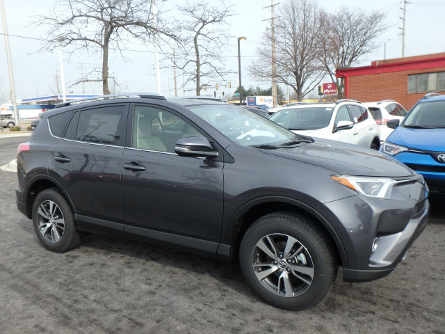 new 2017 toyota rav4 xle 5dr awd suv awd xle 4dr suv in schaumburg 171119 schaumburg toyota. Black Bedroom Furniture Sets. Home Design Ideas