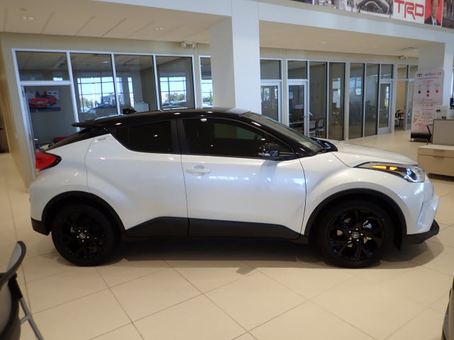New 2019 Toyota C Hr Xle Xle 4dr Crossover In Schaumburg 190224